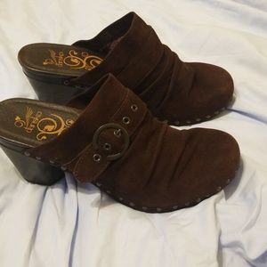 Dansko Great Brand Women's Shoe's
